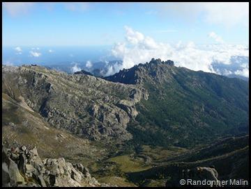 Vue du Monte Incudine sur les aiguilles de Bavella