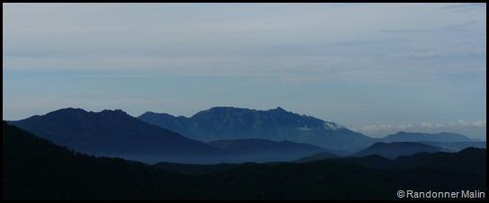 Joli paysage matinal en route pour le col de Bavella