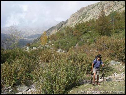 Dans la première partie de la montée après le refuge de Manganu