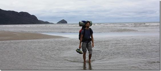 Accrocher du matériel à l'extérieur de son sac de randonnée