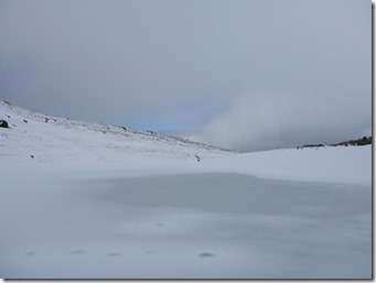 Lac gelé recouvert de neige - Nouvelle-Zélande