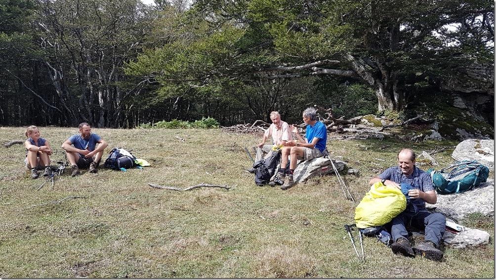 GR10 - Pause partagée et débat endiablé - lame inox ou lame carbone