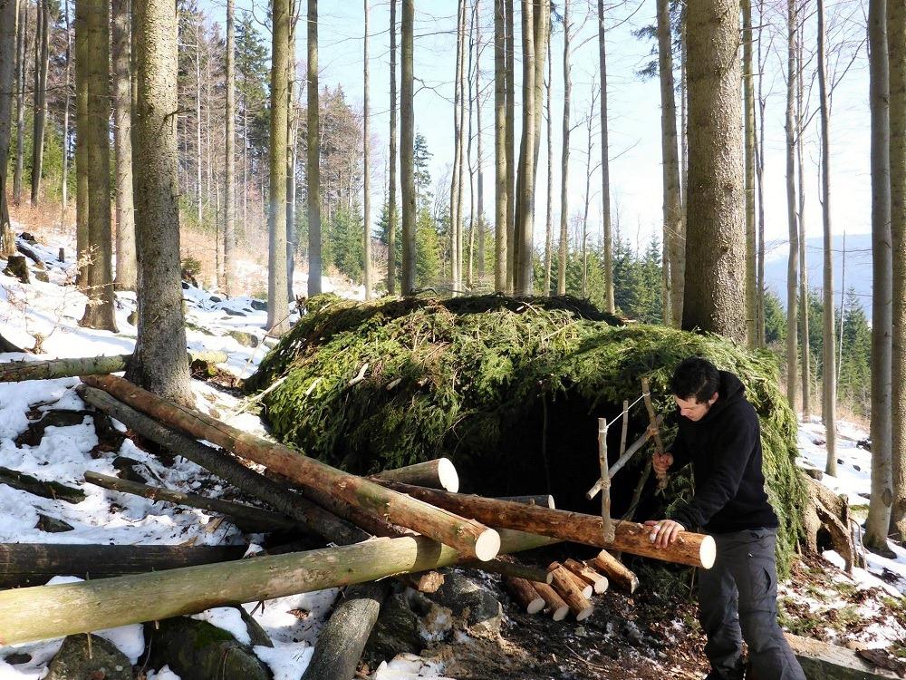 J'expérimente un mois de cabane dans une forêt de République Tchèque