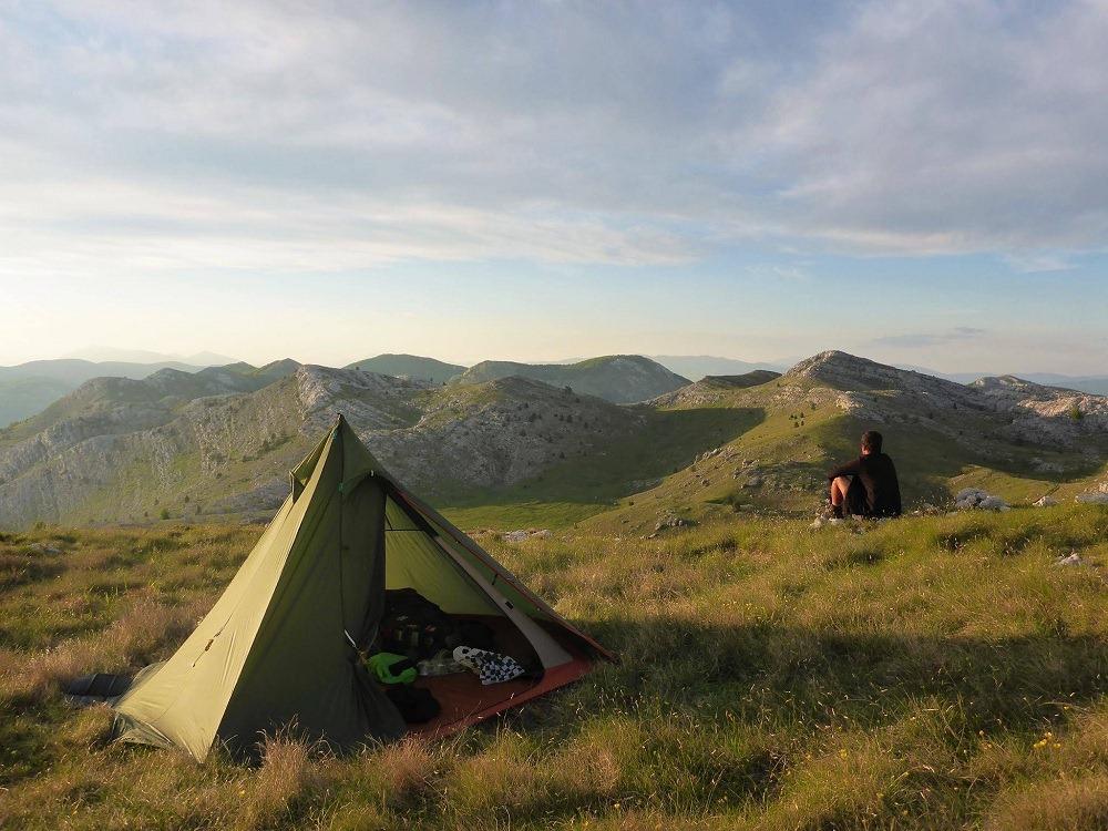 Les nuits dans les montagnes et leurs offrandes méditatives