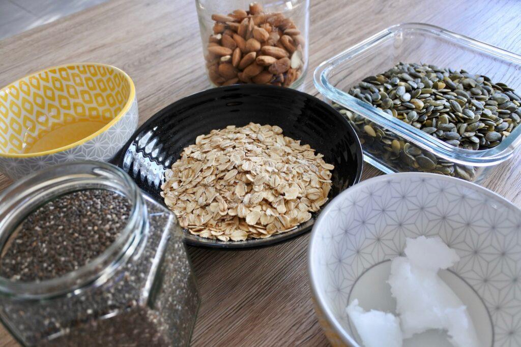Ingrédients pour les bouchées avoine et amandes